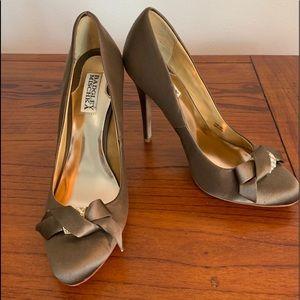 🛍👠 Badgley Mischka light brown satin heels